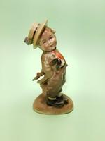 Antik Bertram esernyős kisfiú porcelán figura
