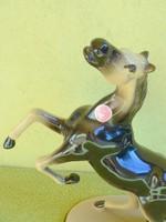 Nagyméretű porcelán ló figura