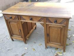 Íróasztal puritán tömör fa