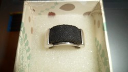 Ezüst gyűrű bőr betéttel
