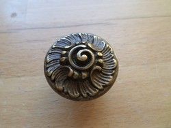 Régebbi díszes bronz fiókgomb bútorgomb