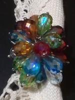 Női gyűrű ,csillogó kristálykövekkel.