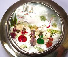 Kínai réz szelence,kézzel festett gyöngyház díszítéssel.