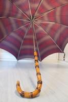 Antik esernyő faragott nyéllel