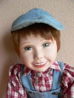 Porcelánbaba fiú