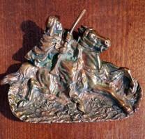 Antik tömör bronz  asztali dísz. Mérete:16×12 cm.