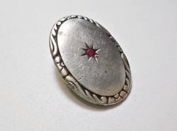 Antik rubinköves ezüst gomb?