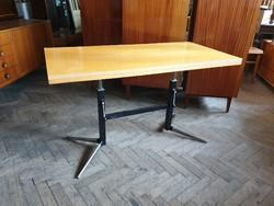 Retro régi állítható magasságú fémvázas asztal íróasztal loft