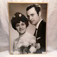 Műtermi fotó, fiatal pár (Fotó Bolygó Stúdió ) 41,5x30,5 cm