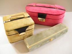Bársonyos bevonatú ékszertartó dobozok, mini bőröndök 3 db