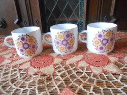 Alföldi porcelán bögrék
