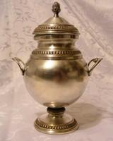 Csodás, antik, ezüstözött cukordoboz az 1900-as évek elejéről. Különleges, ritka darab.