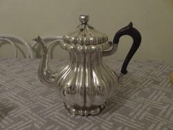 Nagyméretű, gyönyörű Diana fejes ezüst teáskanna.