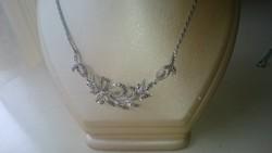Ezüst nyaklánc, nyakék kolié, markazitokkal díszítve. Magyar 835 ös fémjelzésű