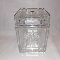Gyönyörű ritka kristály fedeles doboz