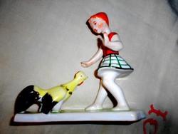 Bodrogkeresztúri  kislány kakassal -kerámia figura