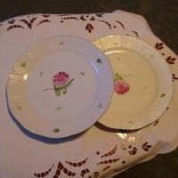 2 db herendi tertia tányér pici hajszál repedéssel egyben eladó