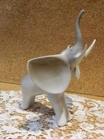 Hollóházi art deco elefánt.