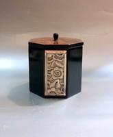 Rózsafa doboz Ezüst intarziával 8 szögletű hasáb