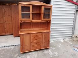 Eladó egy fenyő tálaló szekrény. Bútor szép állapotú, karc mentes.