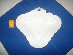 ANTIK, domború mintás, különleges formájú porcelán tál