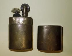 Antik régi réz működőképes állapotú benzines öngyújtó