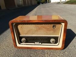 Vadásztölténygyár R 946 F I. Szimfónia régi rádió