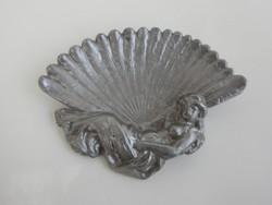 Régi, alumíniumból készült plasztikus - Nő legyezővel - alakú hamutál