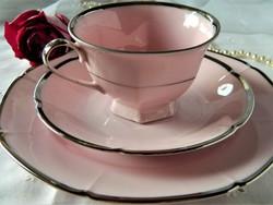 Közel 100 éves Epiag reggeliző szett rózsaszín, ezüst szegéllyel, csésze kistányérok