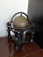 Földgömb, reneszánsz stílusú