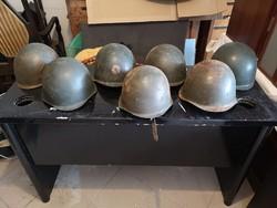 Régi 7db katonai rohamsisak (militária, katonai roham sisak)