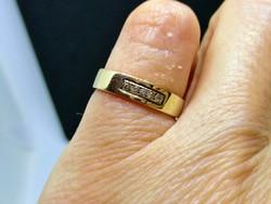 Gyönyörű brilles arany kisujj vagy kislány gyűrű