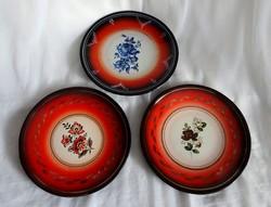 Zománcozott tányérok egyben 3 db