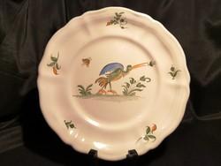 Gyönyörű, szignált, kézzel festett Moustiers fajansz tányér, klasszikus madaras díszítéssel