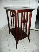 Ritka antik szecessziós jelzett J&J Kohn thonet asztalka  hibátlan, újszerű eredeti állapotban