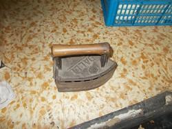 Antik faszenes vasaló.Dalli jelzéssel