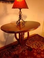 Antik póklábú asztal