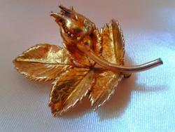 Dán: Egger aranyozott ezüst bross.ÚJ