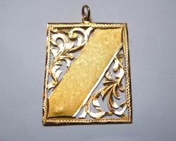 Régi,14 karátos áttört arany medál.