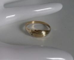 14K vékony,lemez arany gyűrű 0,86g