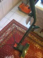 N13 Retró profi Vorwerk szőnyegek tisztításhoz működő  por bedolgozó gumihengeres gép