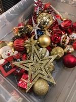Régi üveg karácsonyfadiszek, kiárusitás, kb. 50 darab, olcsón...