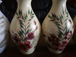 4 db Zsolnay váza + 1 hamutartó, ékszertartó