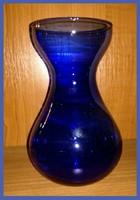 Kék üvegváza