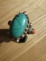 Ezüst gyűrű tükriz és korall kővel