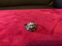 Antik ezüst gyűrű gránát kővel