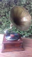 Tökéletesen működő tölcséres gramofon eladó!