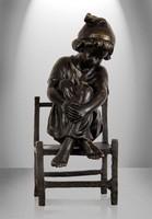 Ülő fiú bronzszobor 16013