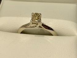Magyar fémjeles, 0,50 ct brilliáns 14 karátos fehérarany női gyűrű