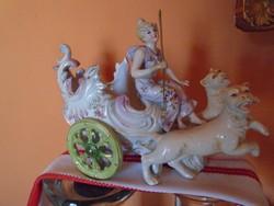 Kardos jelzésű porcelán, hölgy hintóval, hibátlan darab